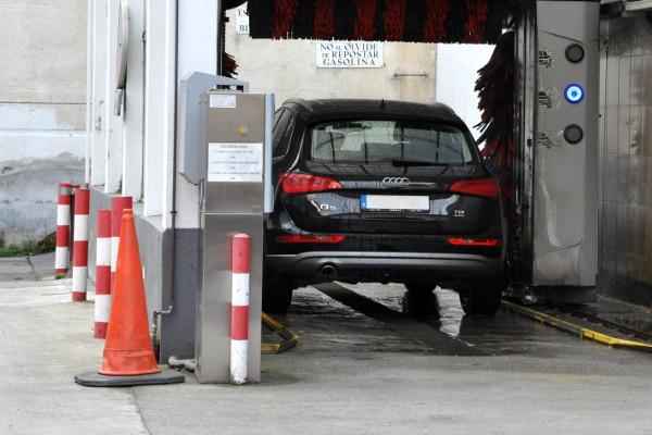 Tunel de lavado Estación Servicio Acitain Avia Eibar